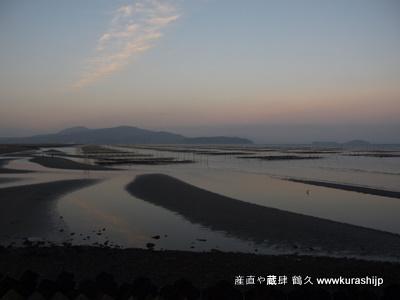 昨日は、鹿児島の出水に海苔をつくりに行って来ました。写真は湾の入り口付近から。朝7時過ぎです。