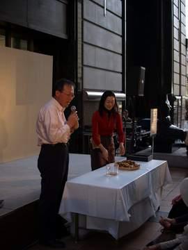 大丸のパサージュ広場では、<br /> サブイベントとしてタカコ・ナカムラさんのホールフード講演も。